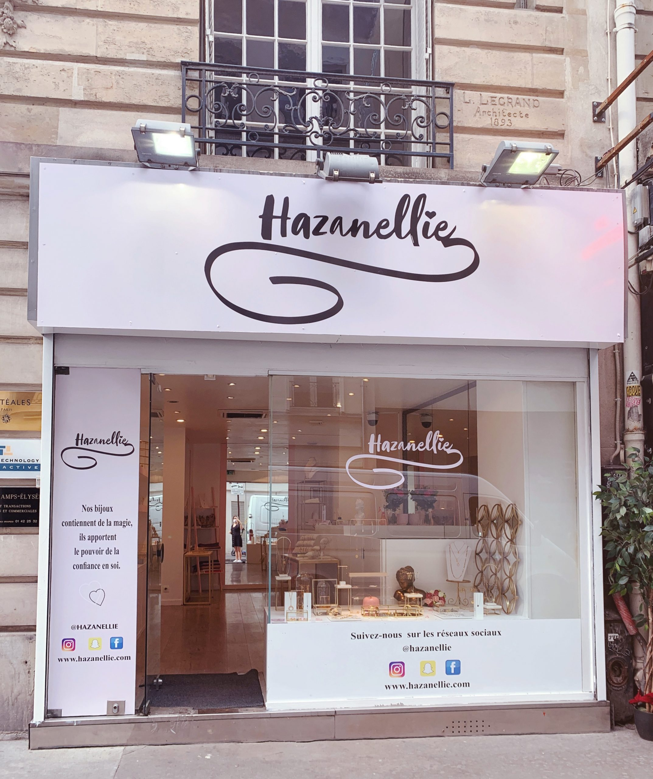 boutique Hazanellie Paris champs Elysée