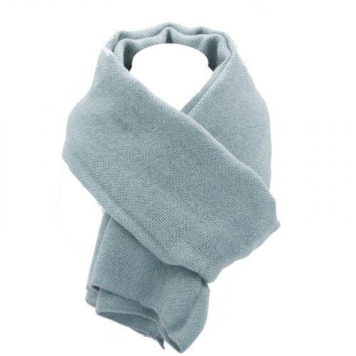 écharpe bleu pale en laine